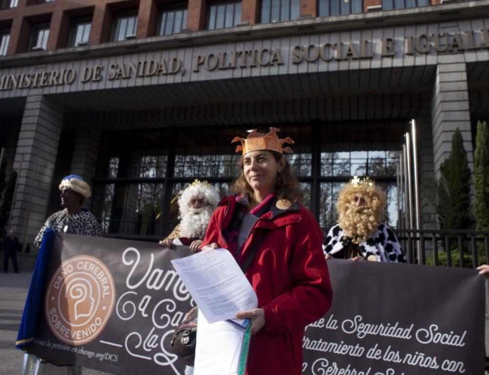 PETICIÓN CHANGE.ORG CON 240.000 FIRMAS PIDIENDO COBERTURA SANITARIA PARA LOS MENORES CON DCS