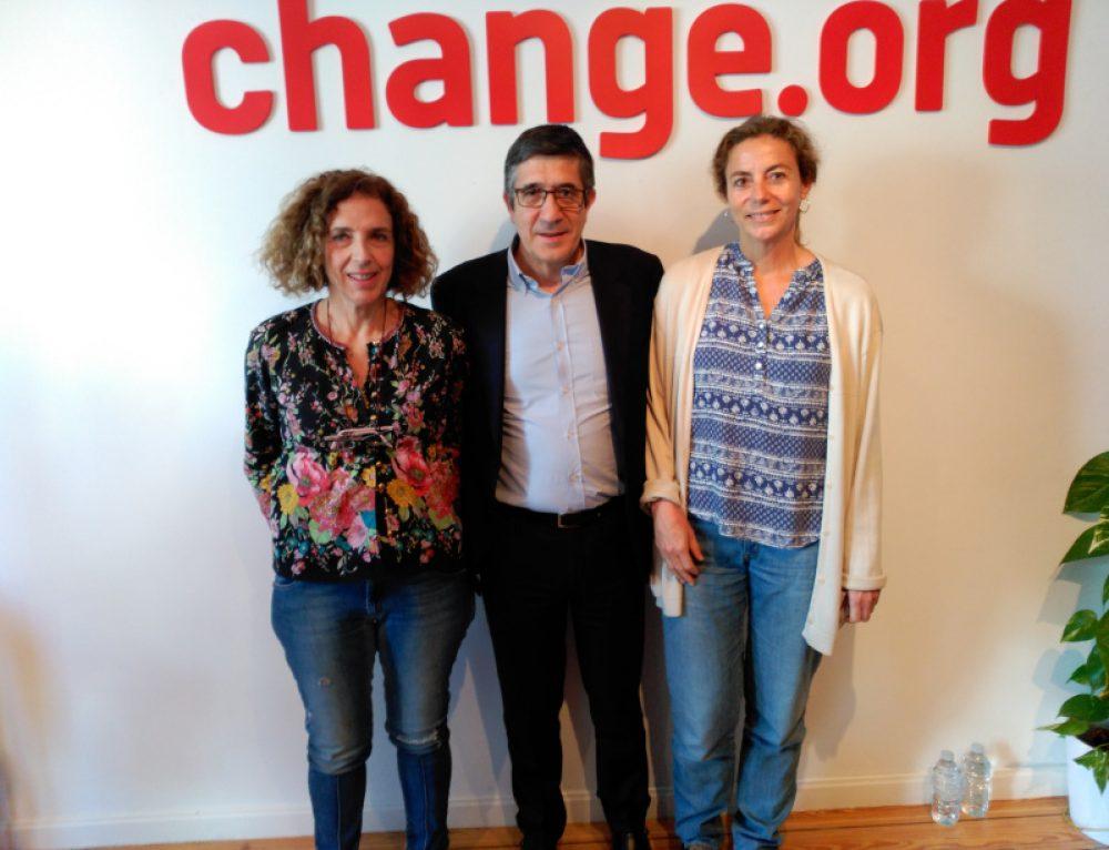 17 de junio 2016. Patxi López (PSOE) se compromete con la petición de Change.org que solicita que la Seguridad Social cubra la rehabilitación de los niños con DCS.
